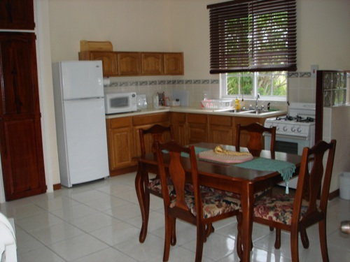 Beautifully Furnished Apartment For