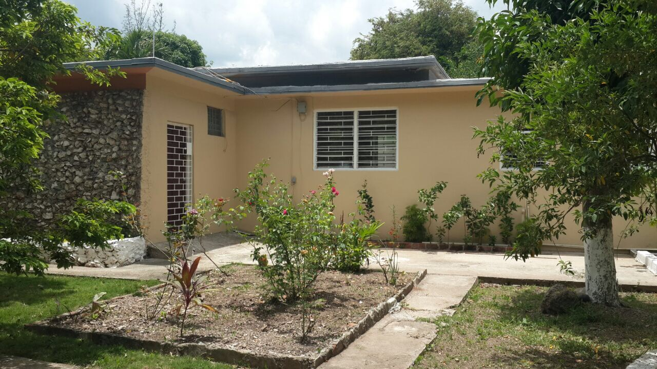 3 bedroom 2 bathroom house for rent in the kingston 6 area for 6 bed house to rent